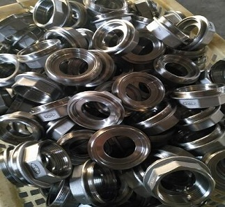 We provide stainless steel pipe fittings and stainless steel pump housing for a broad range of industries